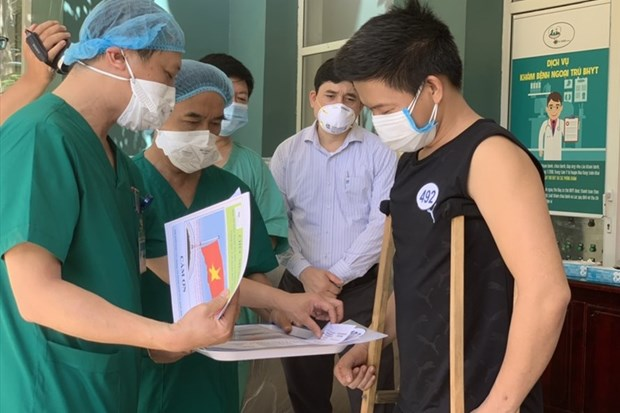 Nine more COVID-19 patients given all-clear hinh anh 1