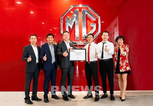 MG sports cars debut in Vietnam hinh anh 1
