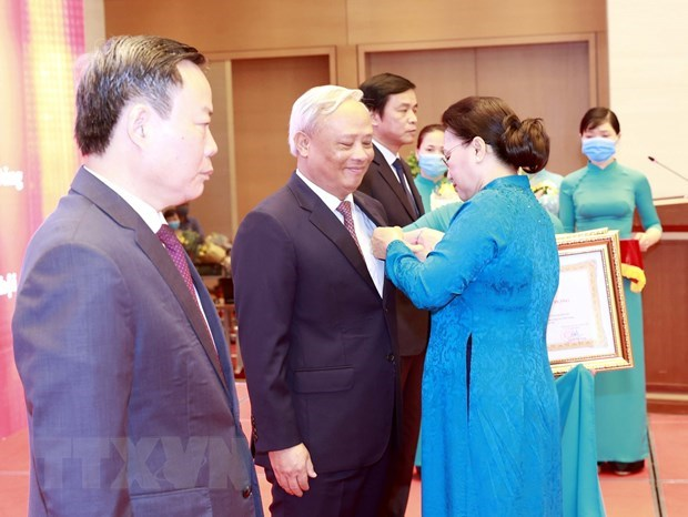 NA leaders honoured with Labour Orders hinh anh 1