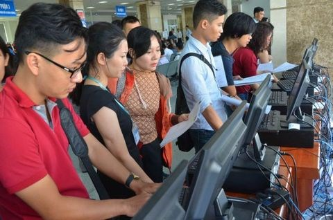 Tax officials reduce inspections to help businesses amid COVID-19 hinh anh 1