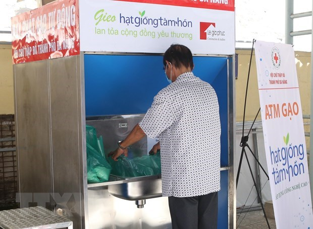 """""""Rice ATM"""" using AI helps the poor in Da Nang hinh anh 1"""