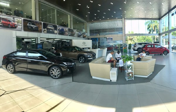 Car dealers offer huge discounts in time of hardship hinh anh 1