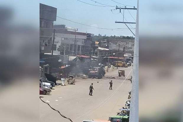 At least nine killed in twin blasts in southern Philippines hinh anh 1