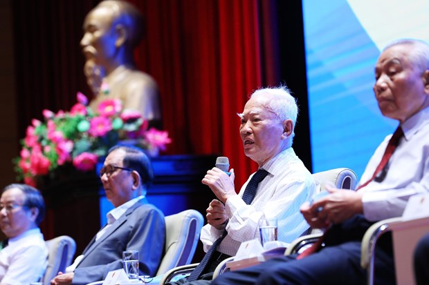 Diplomatic sector's 75-year experiences shared at Hanoi conference hinh anh 1