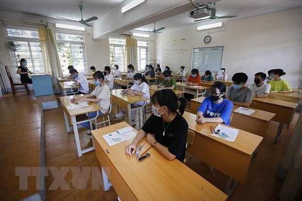 Students in virus epicentre to sit national high school exam early next month hinh anh 1