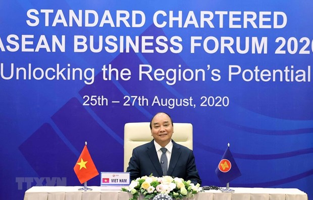 PM attends Standard Chartered-ASEAN Business Forum 2020 hinh anh 1