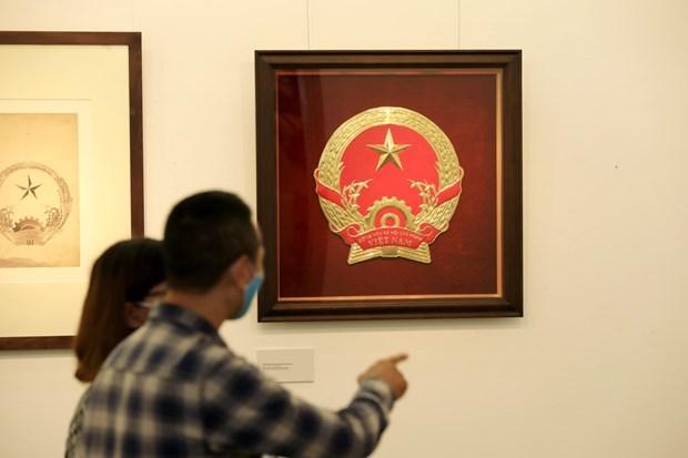 Original sketches of Vietnam's national emblem on show hinh anh 1