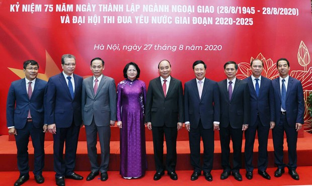 PM assigns five missions to diplomatic sector hinh anh 1