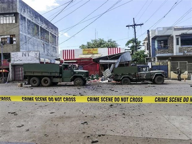 ASEAN Foreign Ministers condemn terrorist bombings in Philippines hinh anh 1