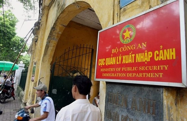 Free stay permit waivers extended until September 30 hinh anh 1