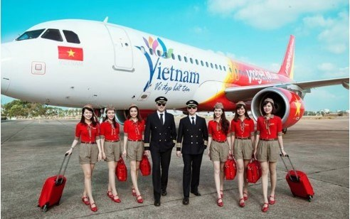 Vietjet records lower-than-expected loss in H1 hinh anh 1