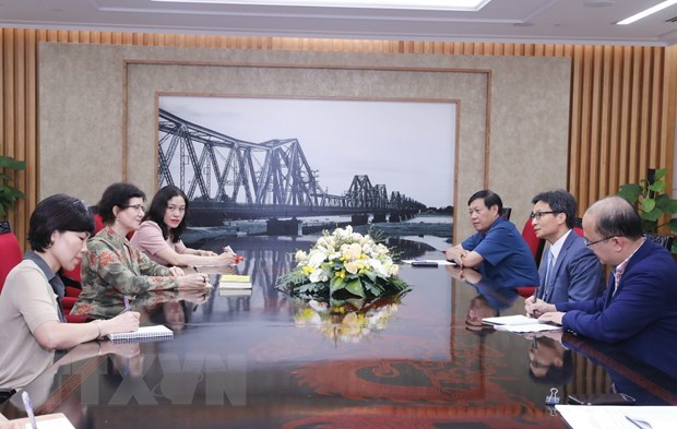 Deputy PM receives UNAIDS Country Director hinh anh 1