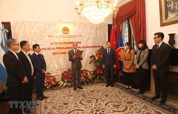 National Day observed abroad hinh anh 1