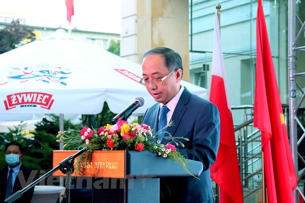 National Day marked in Poland, Austria hinh anh 1