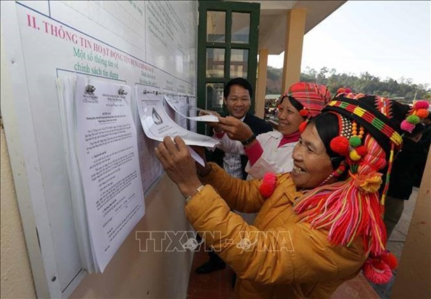 Support policies provide leverage for ethnic people to escape poverty hinh anh 1