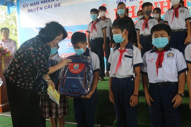 Vice President visits policy beneficiaries in Tien Giang hinh anh 1
