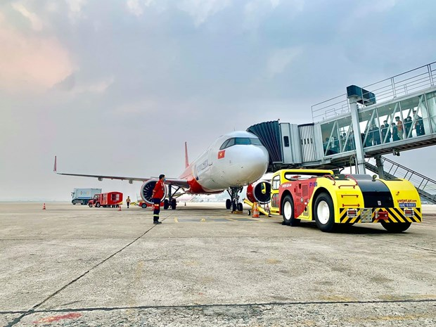 Vietjet kicks off self-handling ground operations hinh anh 1