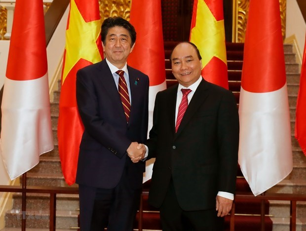 New Japanese gov't likely to continue Abe's diplomatic policy for Vietnam: JETRO economist hinh anh 1