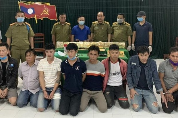Eight Lao nationals caught smuggling 10kg of meth into Vietnam hinh anh 1