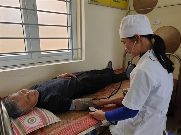 Grassroots healthcare clinics to be upgraded hinh anh 1