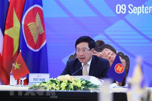 ASEAN steps up cooperation with China, Japan, RoK hinh anh 1