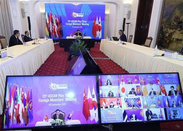 ASEAN steps up cooperation with China, Japan, RoK hinh anh 2