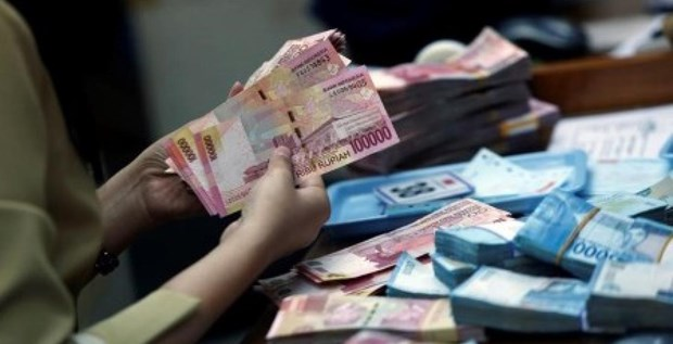 Indonesia's budget revenue nears 70 bln USD in eight months hinh anh 1