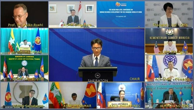 ASEAN ministers bolster human resource development hinh anh 1