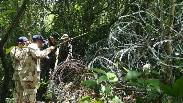 Thailand seals border with Myanmar to stem COVID-19, drug trafficking hinh anh 1