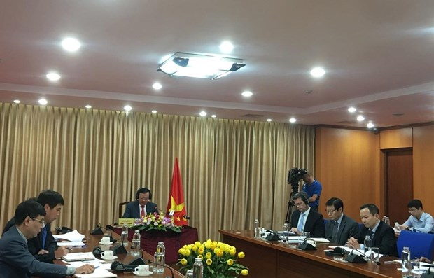 Vietnam shares its effective financial mechanisms in COVID-19 response hinh anh 1