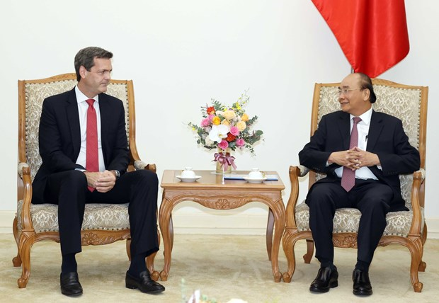 Prime Minister welcomes new ADB Country Director hinh anh 1