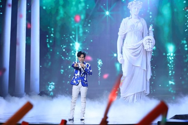 Vietnamese pop stars make TV comeback hinh anh 1
