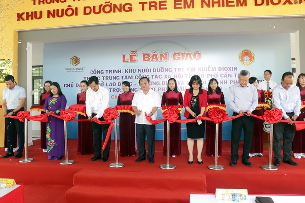 Can Tho: New facility for child AO/dioxin victims handed over hinh anh 1