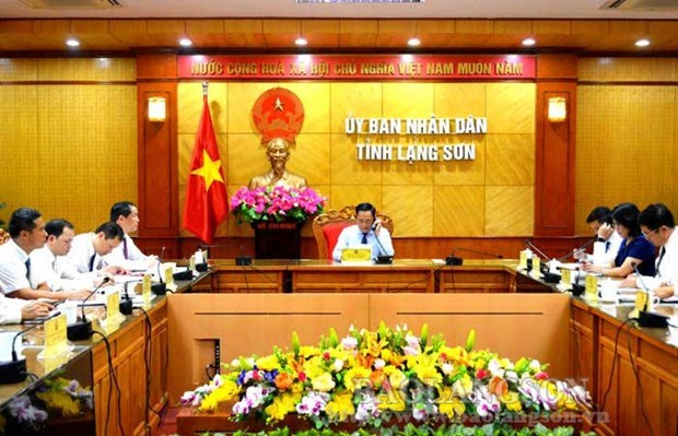 Lang Son, Guangxi Zhuang autonomous region leaders hold phone talks hinh anh 1