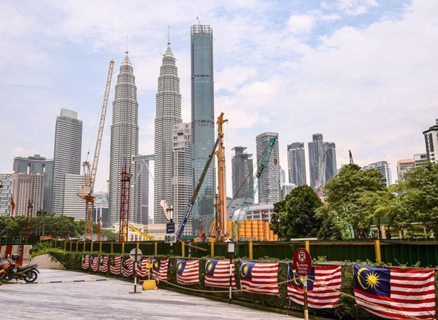 Oxford Economics: Malaysia's economy could shrink by 6 percent in 2020 hinh anh 1