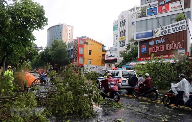 Lao PM sends sympathy to Vietnam over losses caused by storm Noul hinh anh 1