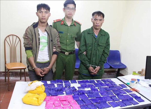 Son La: two drug dealers caught red handed hinh anh 1