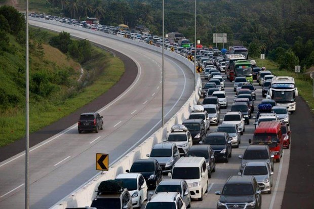 Indonesia to spend close to 6.8 bln USD in eight new toll roads hinh anh 1