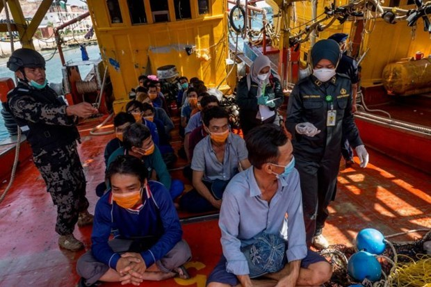 Vietnamese Embassy in Indonesia holds online meeting with detained fishermen hinh anh 1