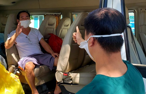 Last COVID-19 patient in Da Nang released from hospital hinh anh 1