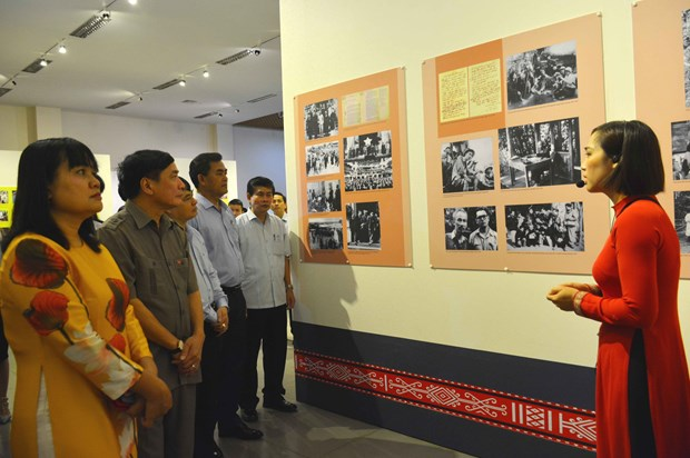 Dak Lak: Exhibition spotlights President Ho Chi Minh's life and career hinh anh 1