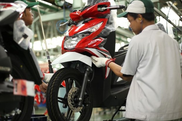 Indonesia's sales of motorbikes projected to plunge 45 percent this year hinh anh 1