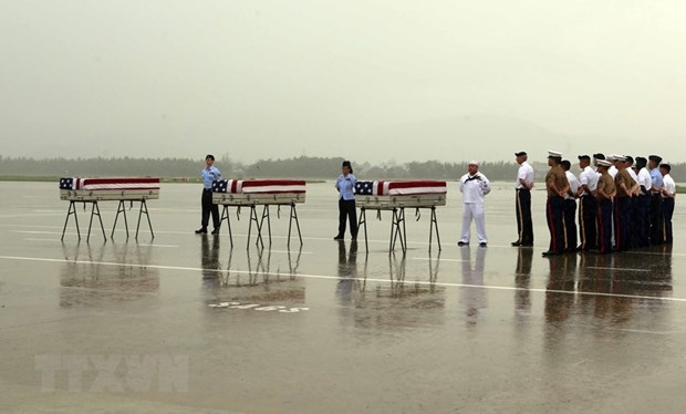 Repatriation ceremony for suspected remains of US serviceman hinh anh 1