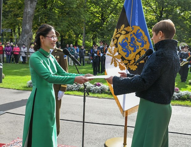 Estonian President believes in stronger friendship with Vietnam hinh anh 1