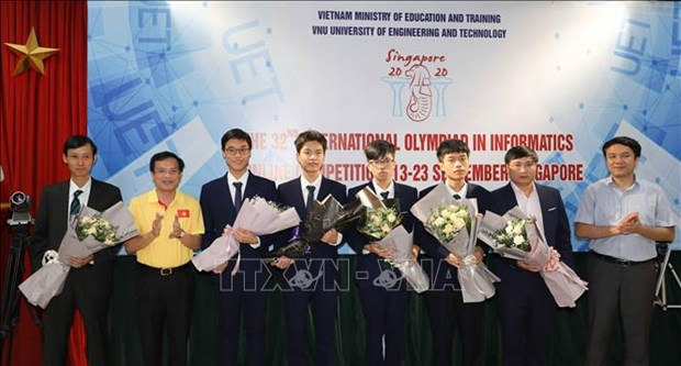 Vietnamese students win four medals at 32nd Int'l Olympiad in Informatics hinh anh 1