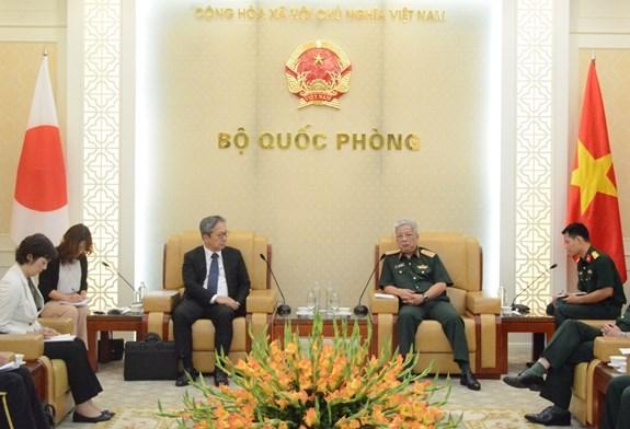 Deputy Defence Minister receives Japanese Ambassador hinh anh 1