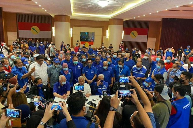 Malaysia PM Muhyiddin's alliance wins Sabah state election hinh anh 1
