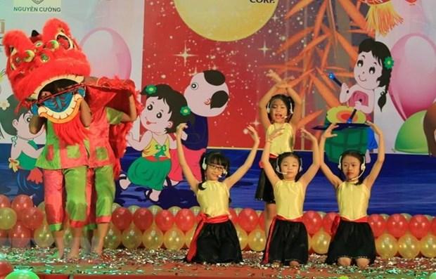 Top leader shares children's Mid-Autumn Festival joy hinh anh 1