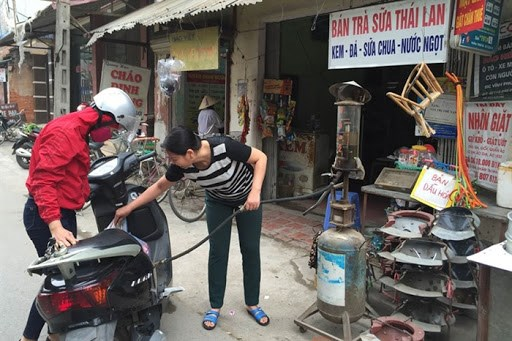 Fuel prices might be adjusted three times per month hinh anh 1