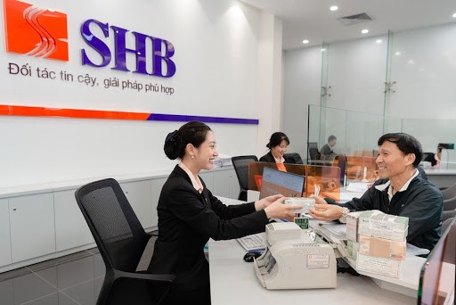 Banks target consumer loans for higher credit growth hinh anh 1